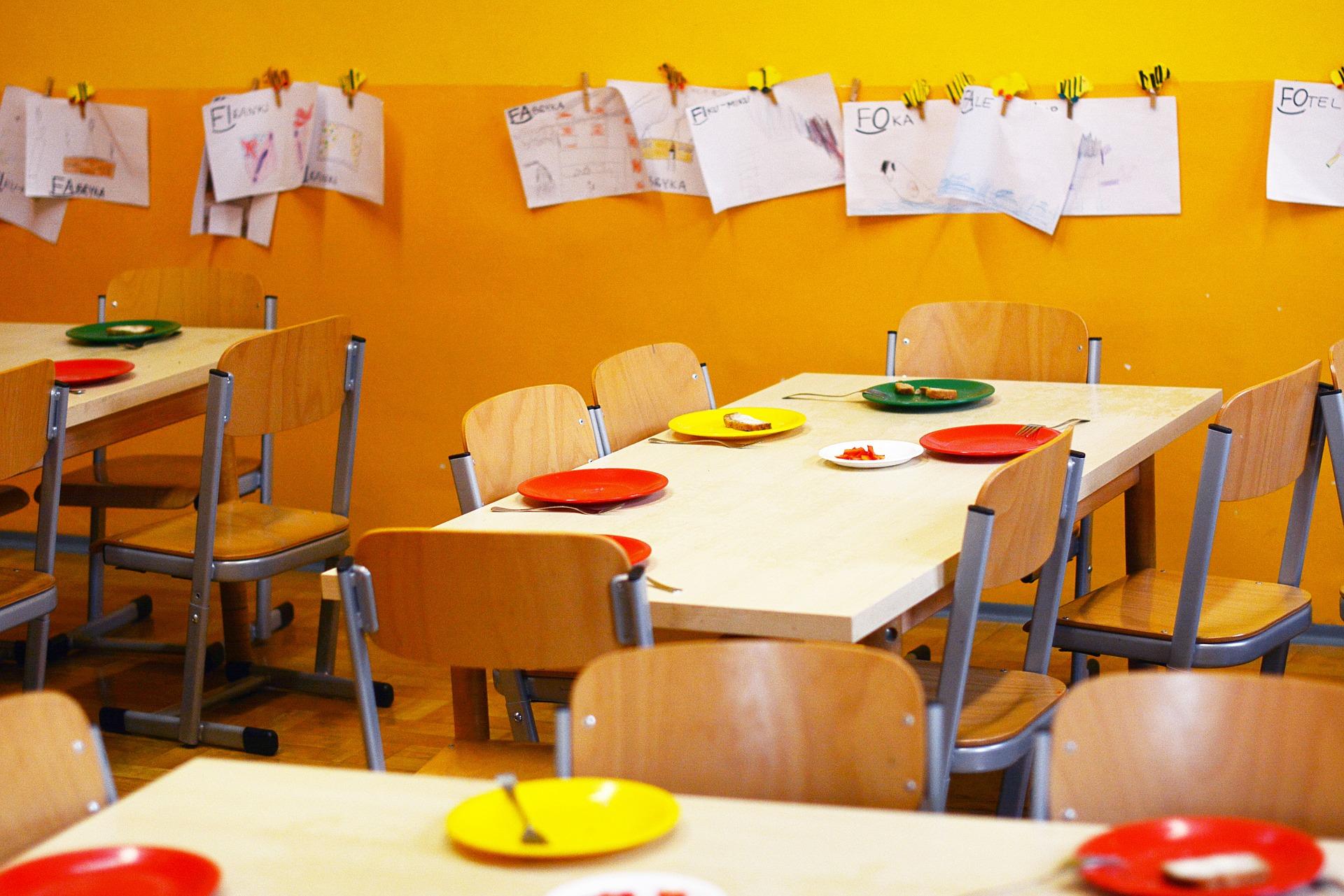 kindergarten-2456159_1920